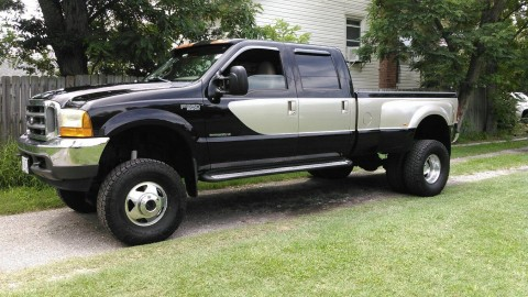 2000 Ford F 350 Super Duty Lariat Crew Cab Pickup 4 Door 7.3L for sale