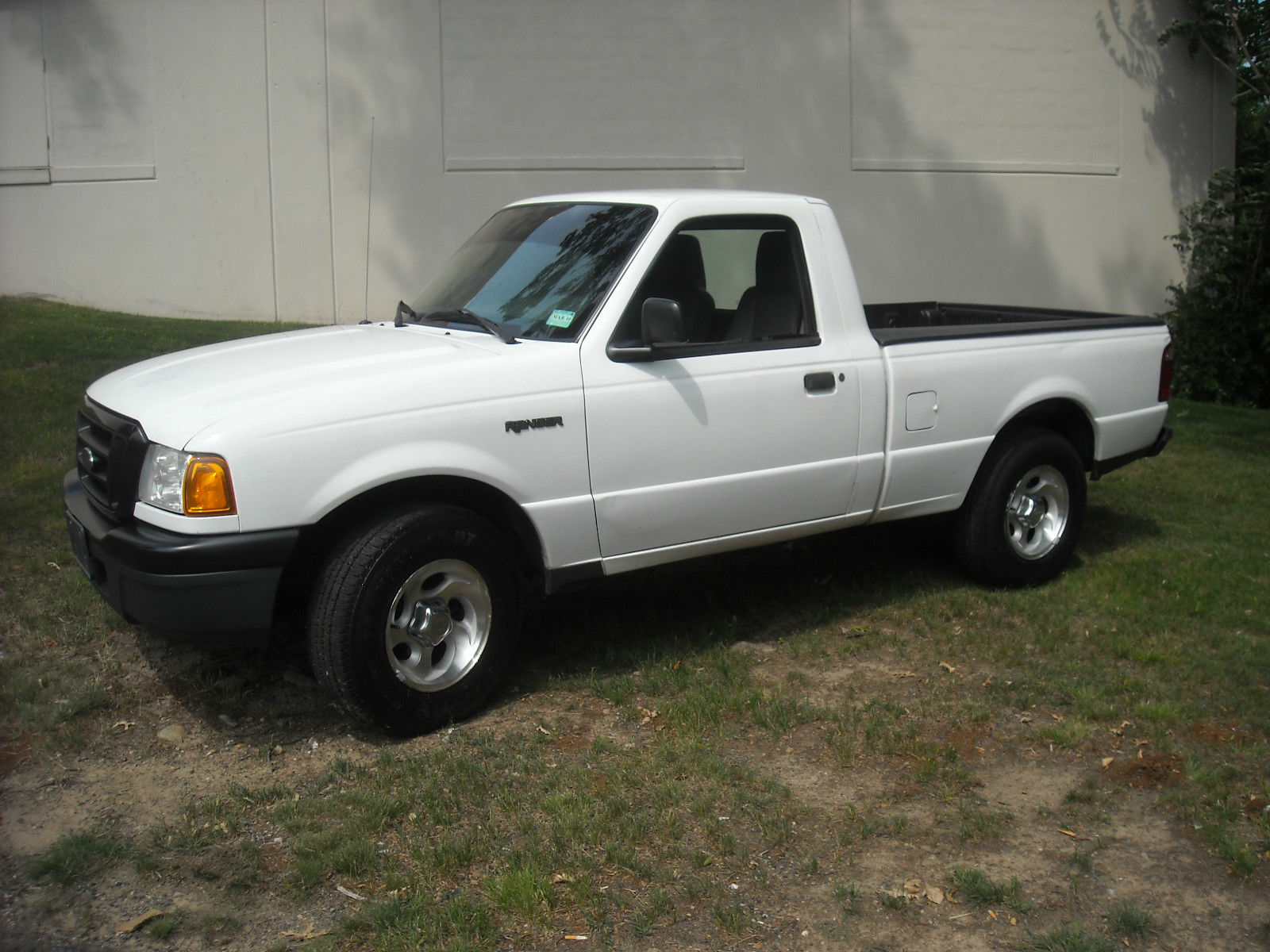 2004 ford ranger short bed 2 3 litre for sale. Black Bedroom Furniture Sets. Home Design Ideas