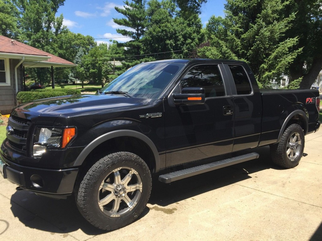 2013 Ford F 150 FX4 Extended Cab Pickup 4 Door 5.0L
