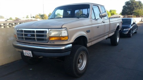 1993 Ford F 250 XLT V8 4X4 Gold for sale