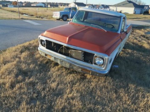 1972 Chevy half ton Cheynne long bed pick up for sale