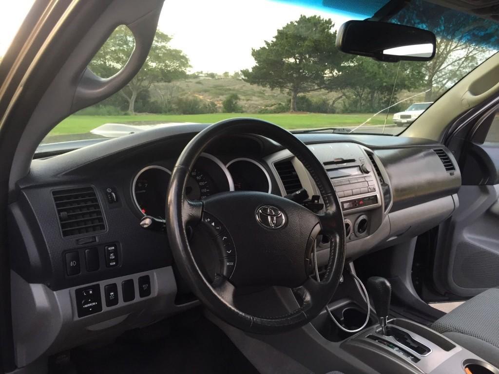 2010 Toyota Tacoma 4X4 SPORT