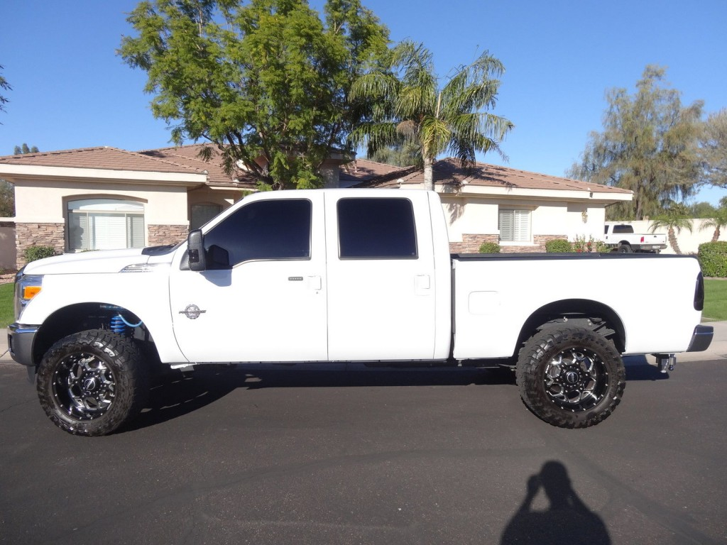 2013 Ford F 350 Lariat Fully loaded