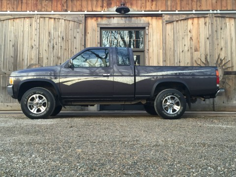1995 Nissan Frontier XE Hardbody Pickup 4X4 2.4L for sale