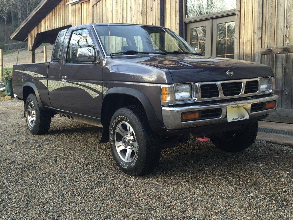 1995 Nissan Frontier XE Hardbody Pickup 4X4 2.4L