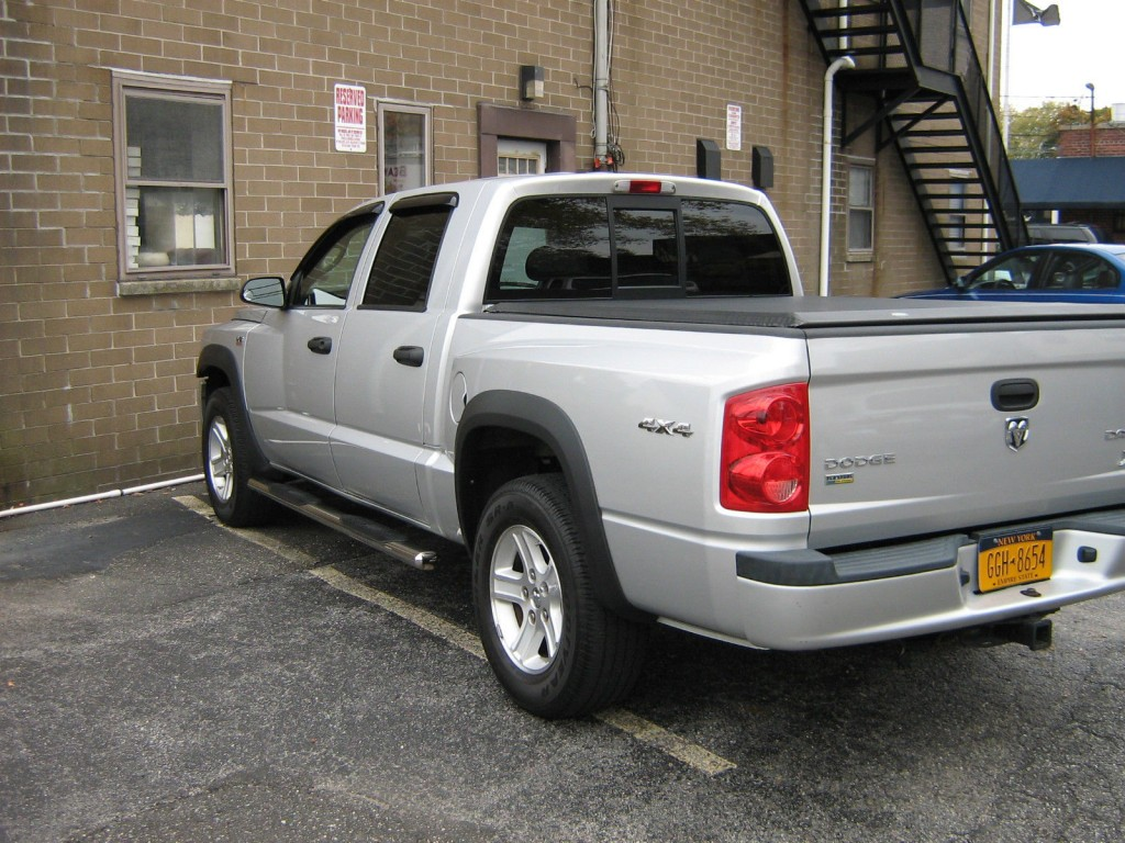 2010 dodge ram dakota crew cab 4 x4 for sale. Black Bedroom Furniture Sets. Home Design Ideas
