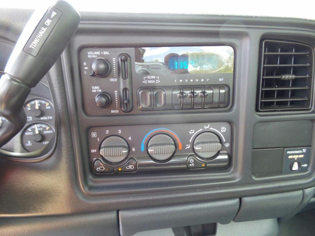 Clean work truck 2000 Chevrolet Silverado 1500 Pickup