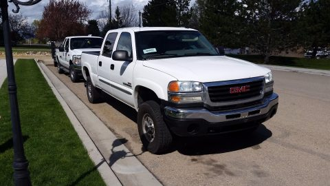 Well serviced 2004 GMC Sierra 2500 Pickup for sale