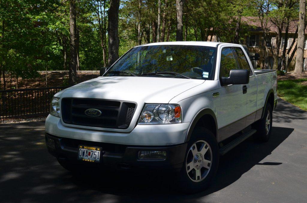 always garaged 2004 ford f 150 fx4 extended cab pickup for sale. Black Bedroom Furniture Sets. Home Design Ideas