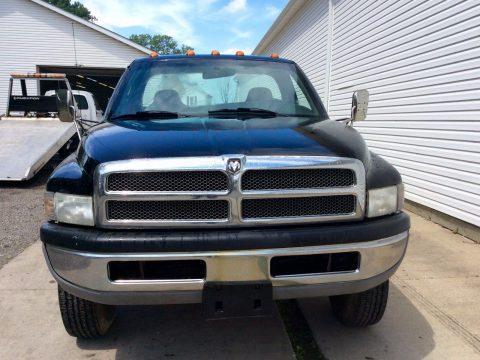 Needs bed 2000 Dodge Ram 3500 pickup for sale