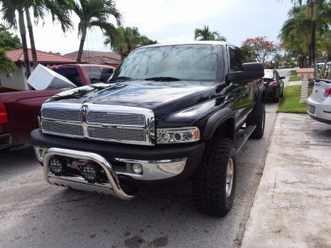 New paintjob 1999 Dodge Ram 1500 laramie pickup for sale