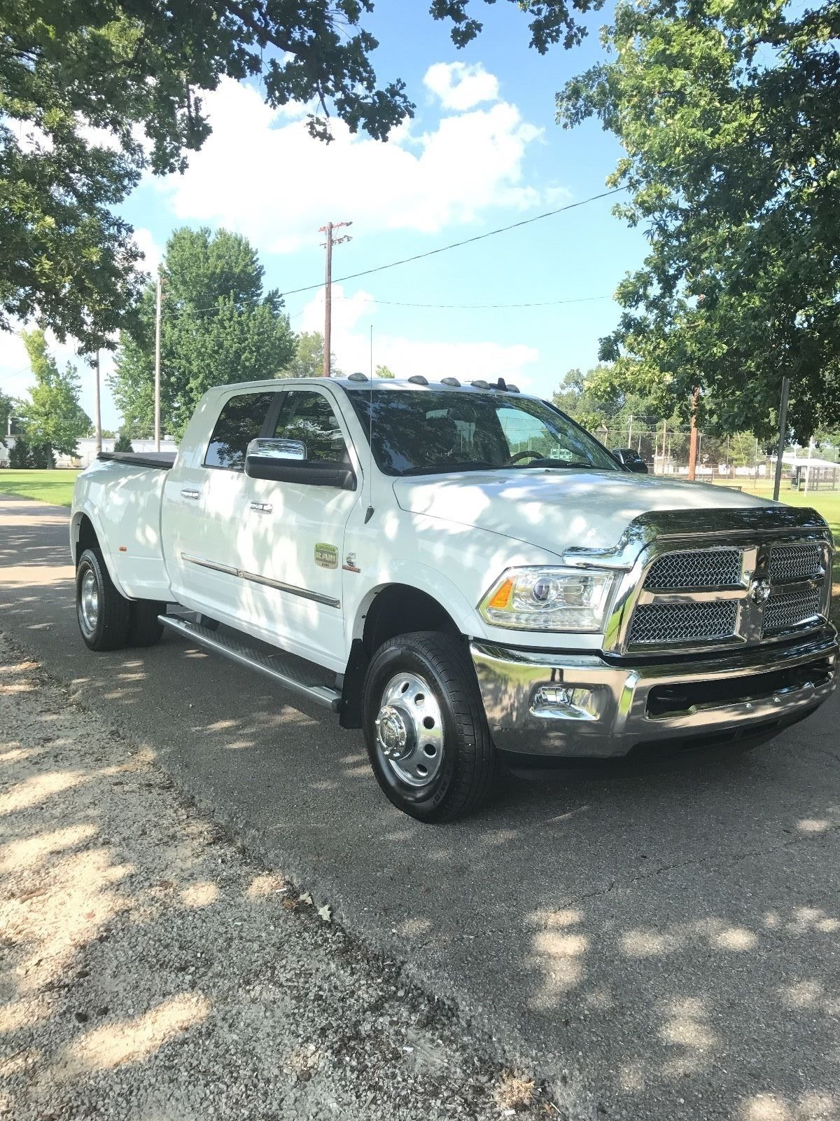 fully loaded 2014 dodge ram 3500 laramie longhorn for sale. Black Bedroom Furniture Sets. Home Design Ideas