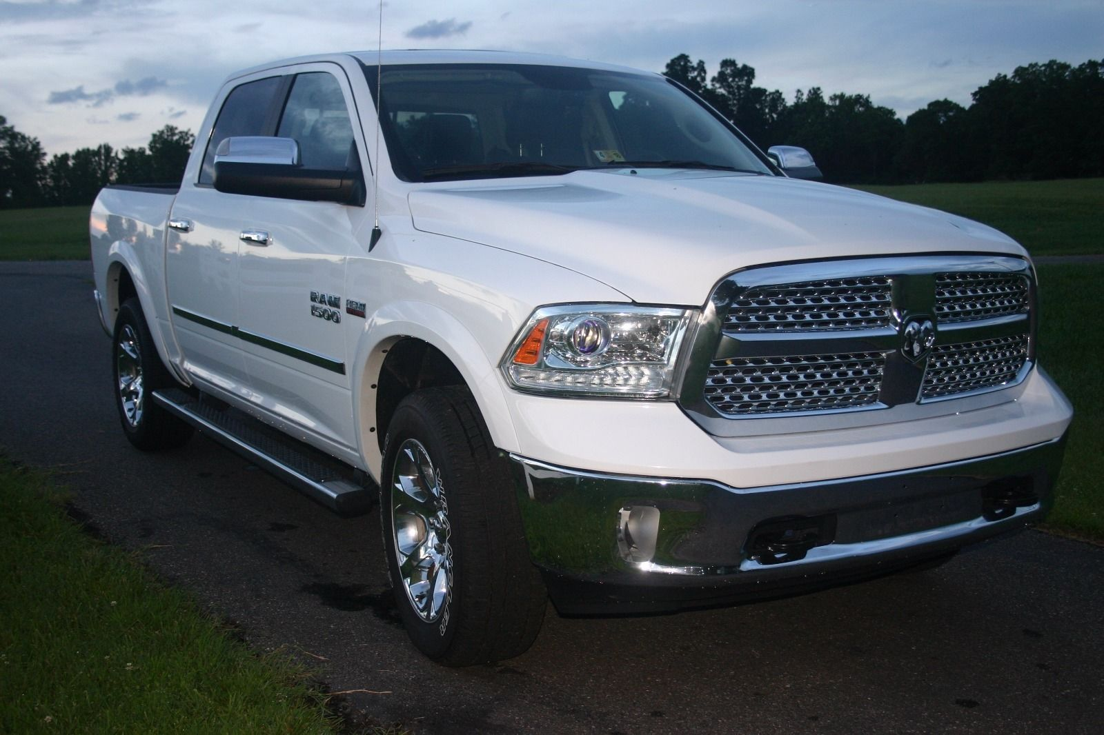 fully optioned 2016 ram 1500 laramie for sale. Black Bedroom Furniture Sets. Home Design Ideas