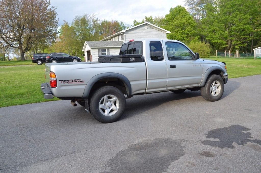 some rust 2002 toyota tacoma pickup for sale. Black Bedroom Furniture Sets. Home Design Ideas