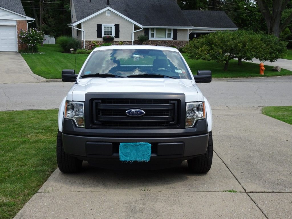 basic model 2013 Ford F 150 pickup