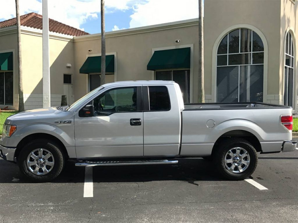 decent mileage 2013 Ford F 150 XLT pickup