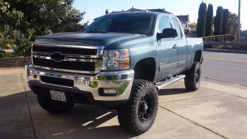 fully loaded 2013 Chevrolet Silverado 2500 LT Extended Cab pickup for sale