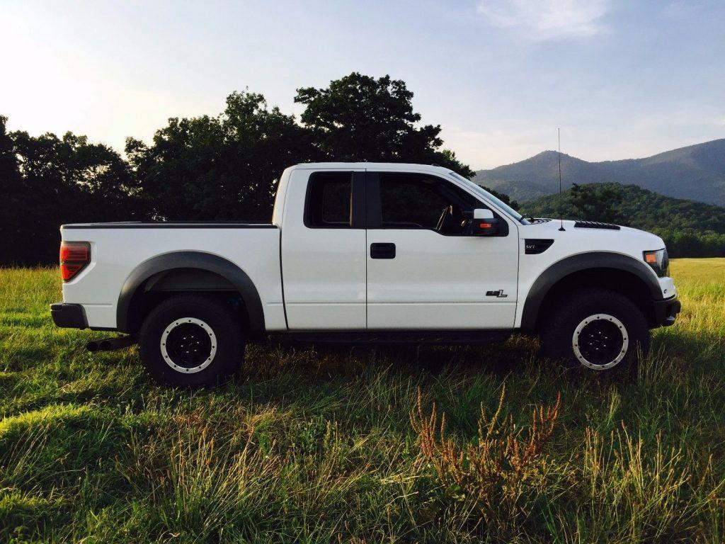 fully loaded 2013 Ford F 150 SVT Raptor pickup