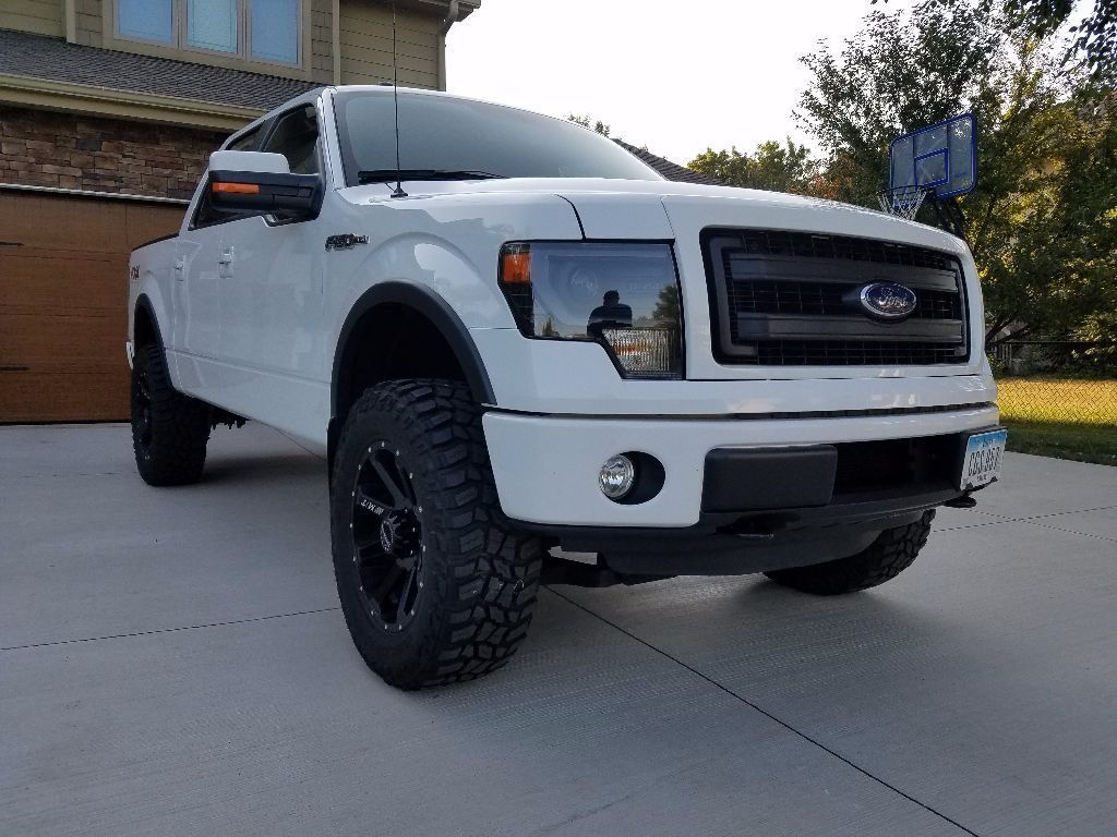 loaded 2013 Ford F 150 Fx4 pickup
