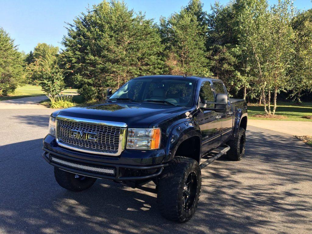 blacked out 2012 GMC Sierra 1500 pickup