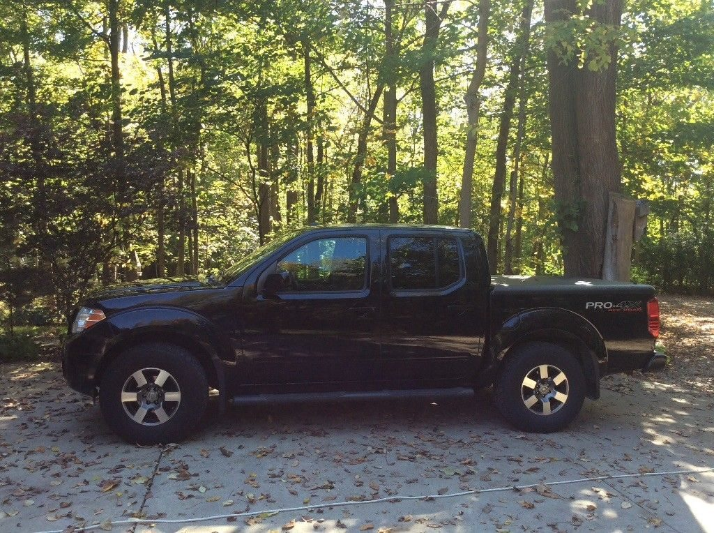always garaged 2010 nissan frontier pro 4x pickup for sale. Black Bedroom Furniture Sets. Home Design Ideas