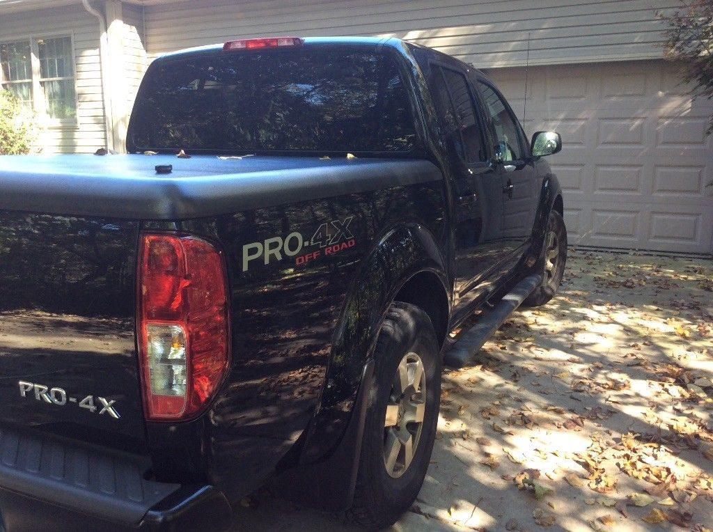always garaged 2010 Nissan Frontier Pro 4X pickup