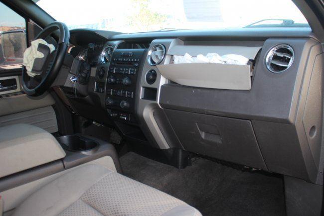 damaged 2010 Ford F 150 XLT Supercrew 4WD pickup