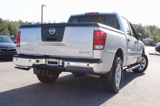 loaded 2010 Nissan Titan SE pickup