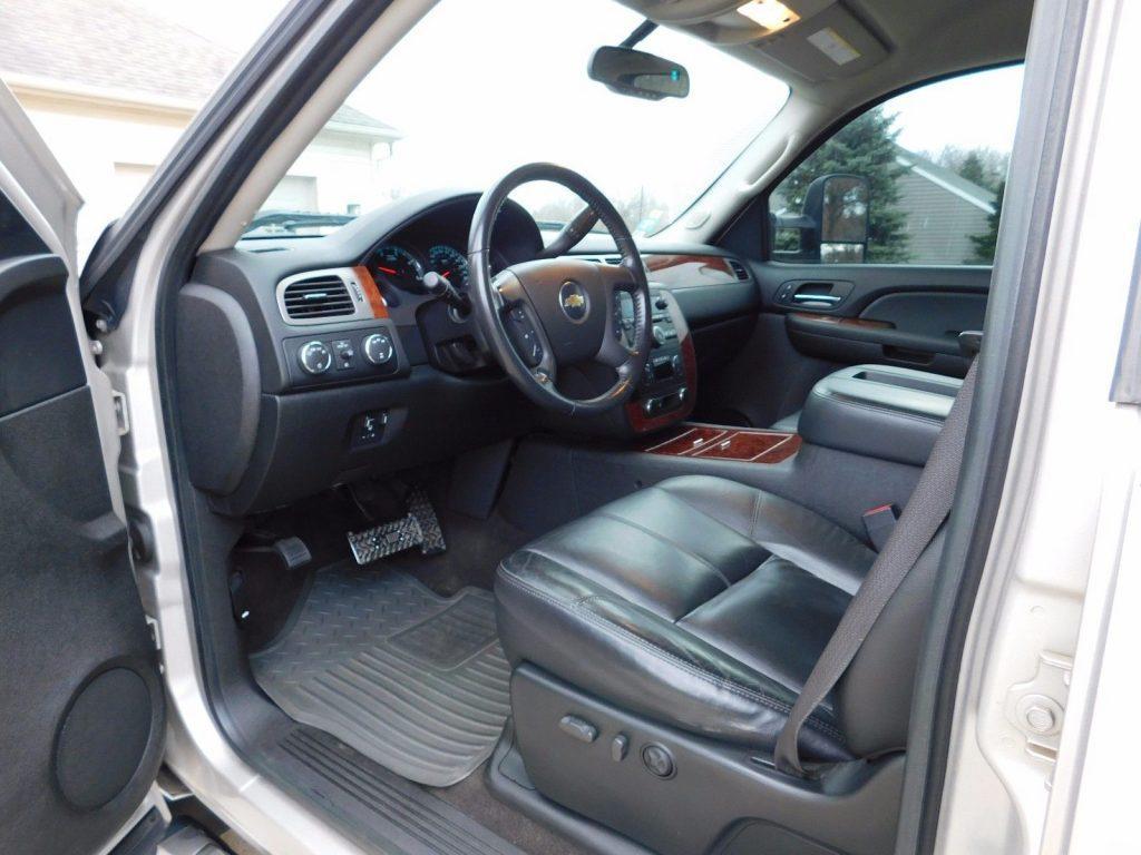 upgraded 2008 Chevrolet Silverado 2500 LTZ pickup