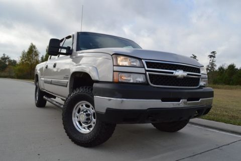 clean 2007 Chevrolet Silverado 2500 LT1 pickup for sale