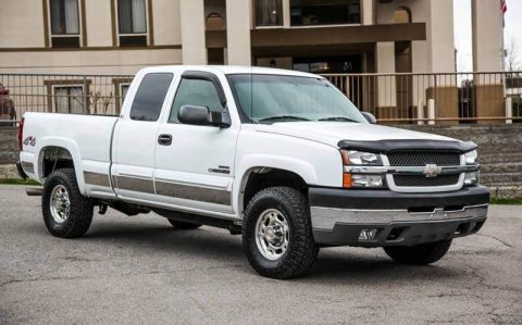 very clean 2003 Chevrolet Silverado 2500 pickup for sale