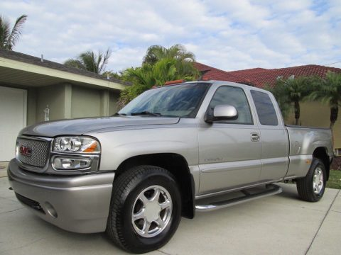 very clean 2003 GMC Sierra 1500 Denali pickup for sale