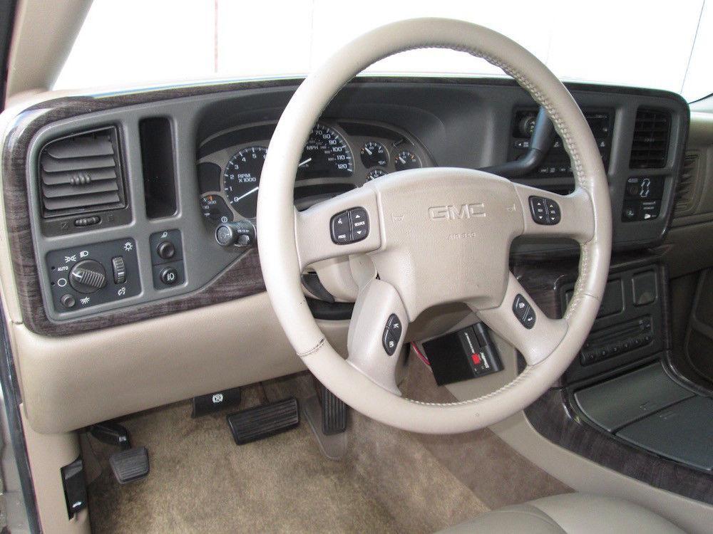 very clean 2003 GMC Sierra 1500 Denali pickup