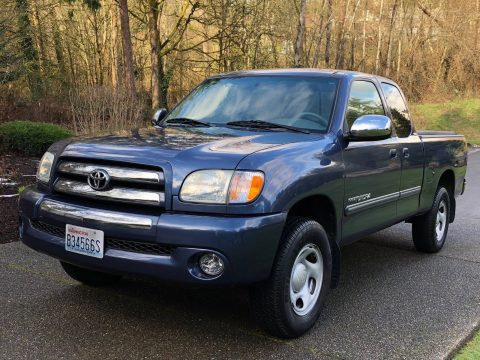 very low miles 2004 Toyota Tundra sr5 pickup for sale