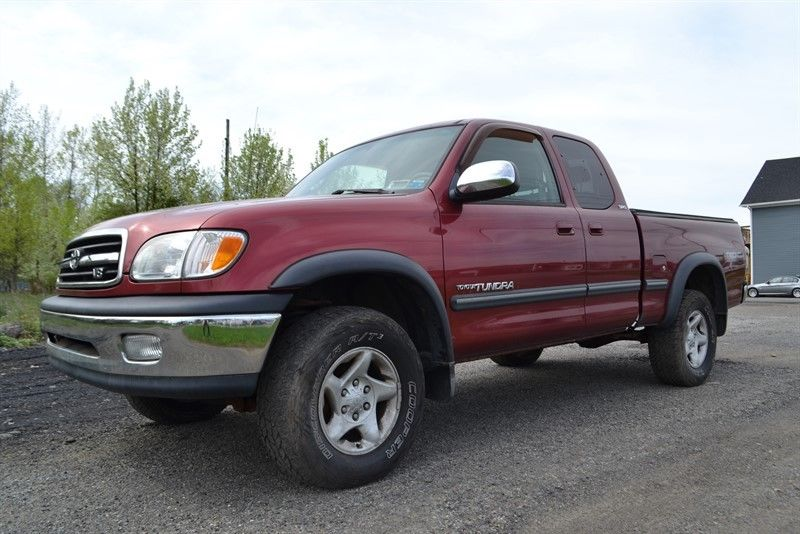 well equipped 2002 Toyota Tundra SR5 pickup