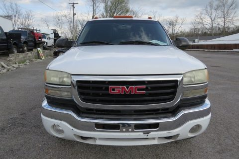 EXCELLENT RUNNING 2003 Chevrolet Silverado 2500 4X4 pickup for sale