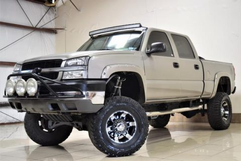 loaded 2003 Chevrolet Silverado 2500 Lifted 4X4 pickup for sale