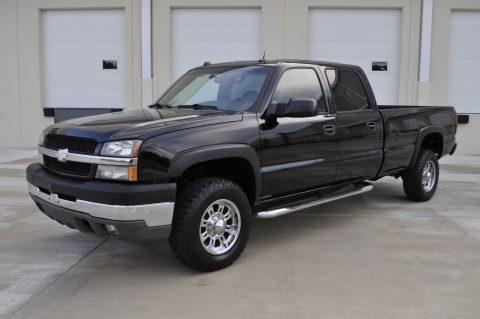 great shape 2004 Chevrolet Silverado 3500 HD SRW 4×4 pickup for sale