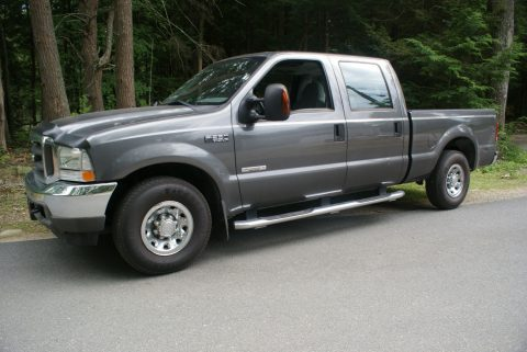 super clean 2004 Ford F 250 XLT pickup for sale