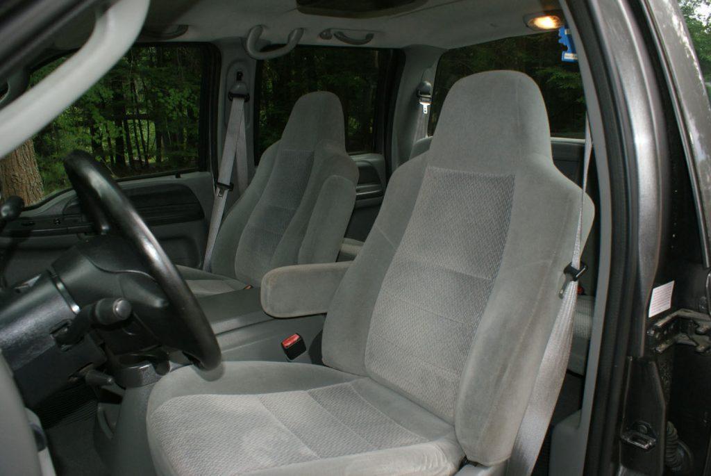 super clean 2004 Ford F 250 XLT pickup