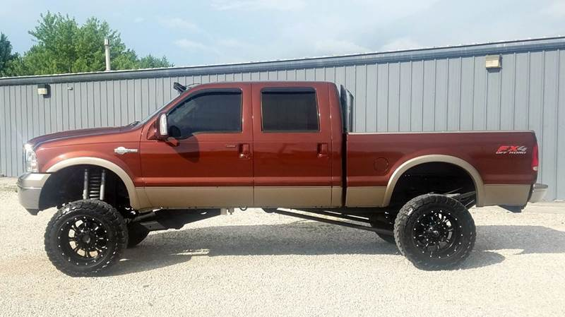 customized 2005 Ford F 250 King Ranch pickup