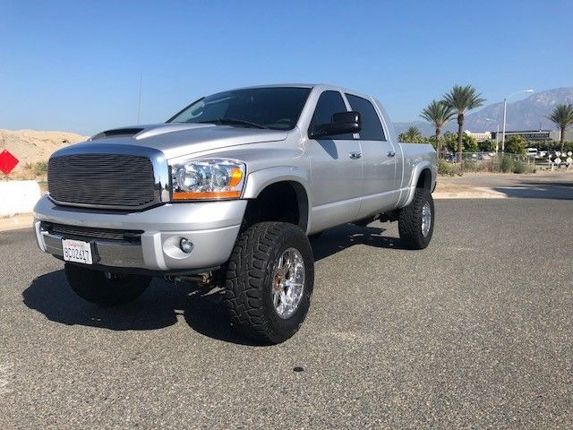 fully loaded 2006 Dodge Ram 2500 Laramie pickup