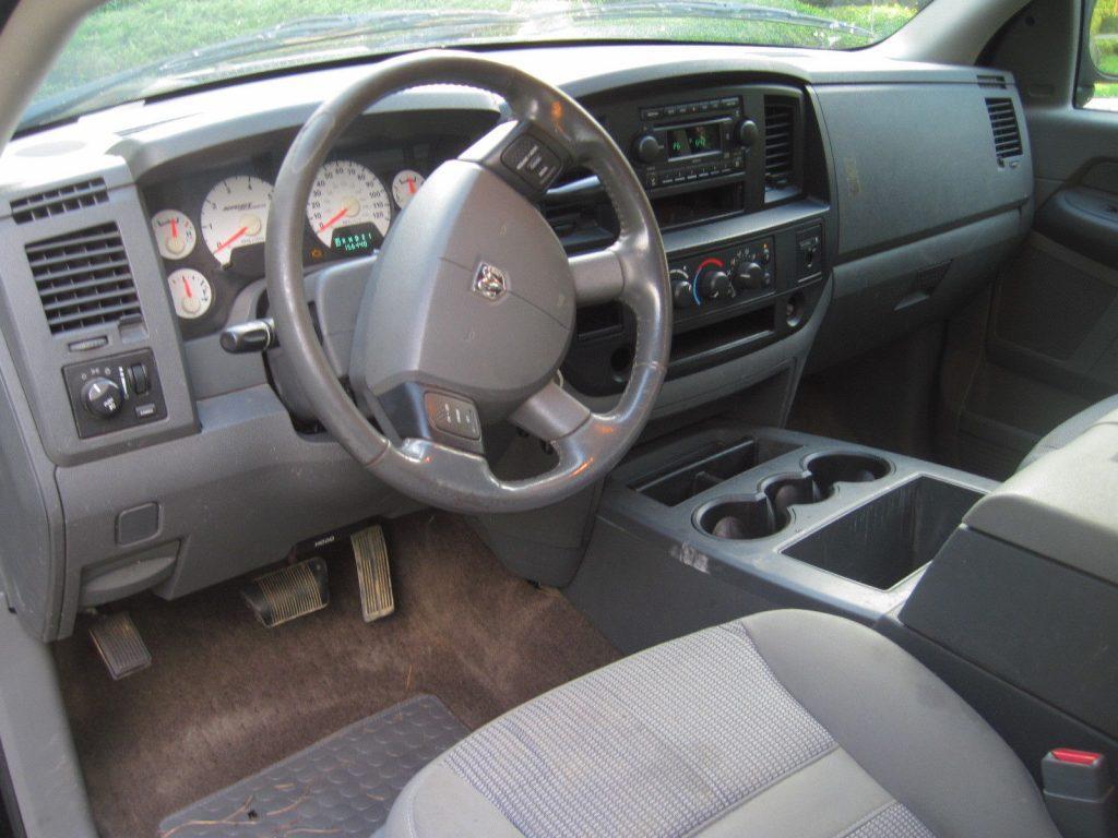 Hemi powered 2006 Dodge Ram 1500 pickup