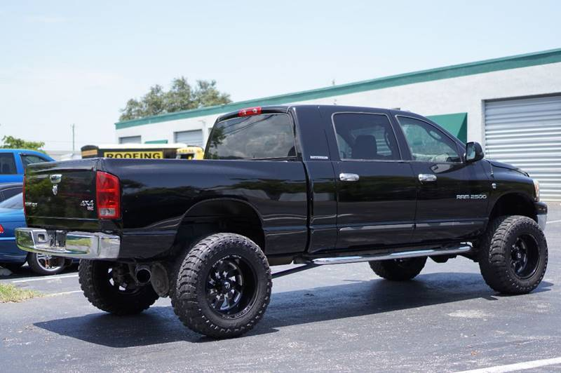 modified 2006 Dodge Ram 2500 SLT pickup