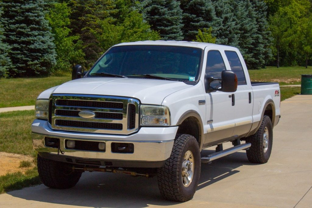 new parts 2005 Ford F 250 4WD Lariat pickup