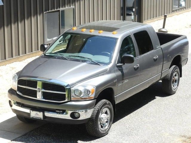 solid 2006 Dodge Ram 2500 pickup