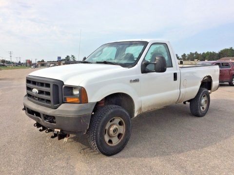 some rust 2005 Ford F 350 pickup for sale