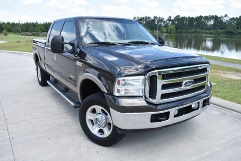 very nice 2005 Ford F 250 Lariat pickup for sale
