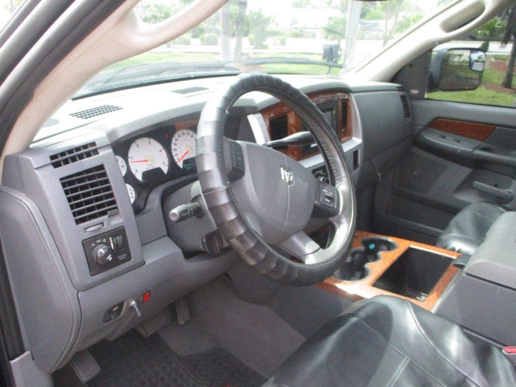 very nice 2006 Dodge Ram 3500 pickup