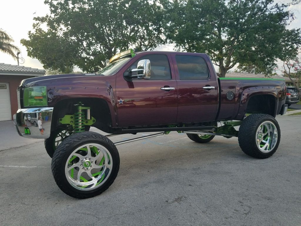 lifted badass 2007 Chevrolet Silverado 2500 pickup